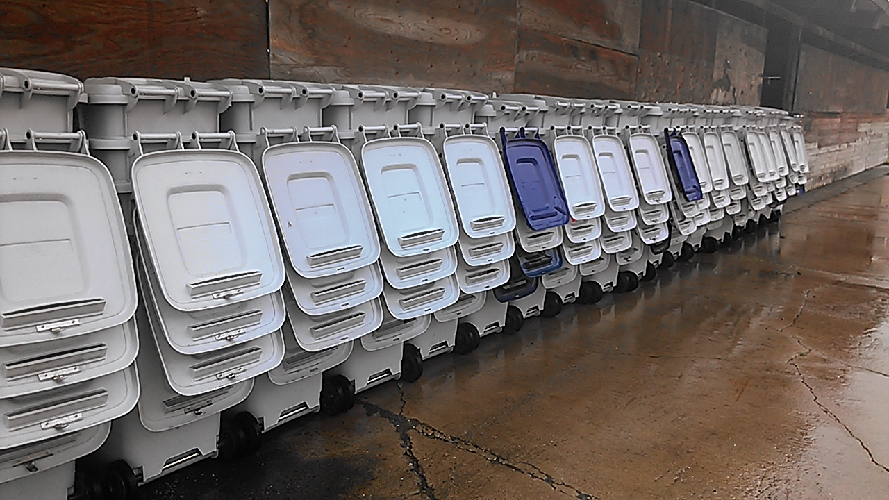 64-Gallon-Bins