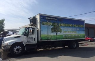 2002 International 4300 Shred-Tech MDS-25GT full